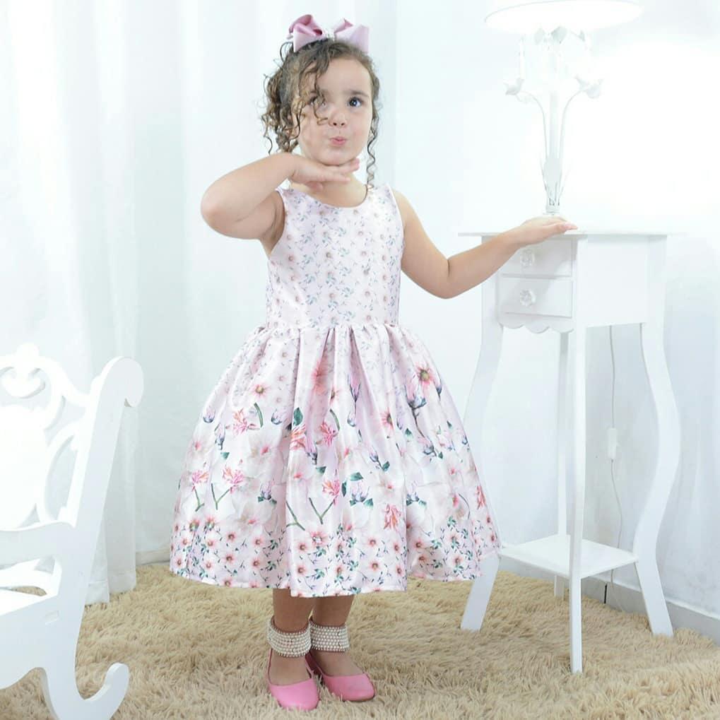 Vestido festa infantil rosa floral com flores rosas