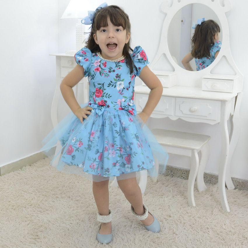 Vestido Floral infantil azul com tule sobre a saia