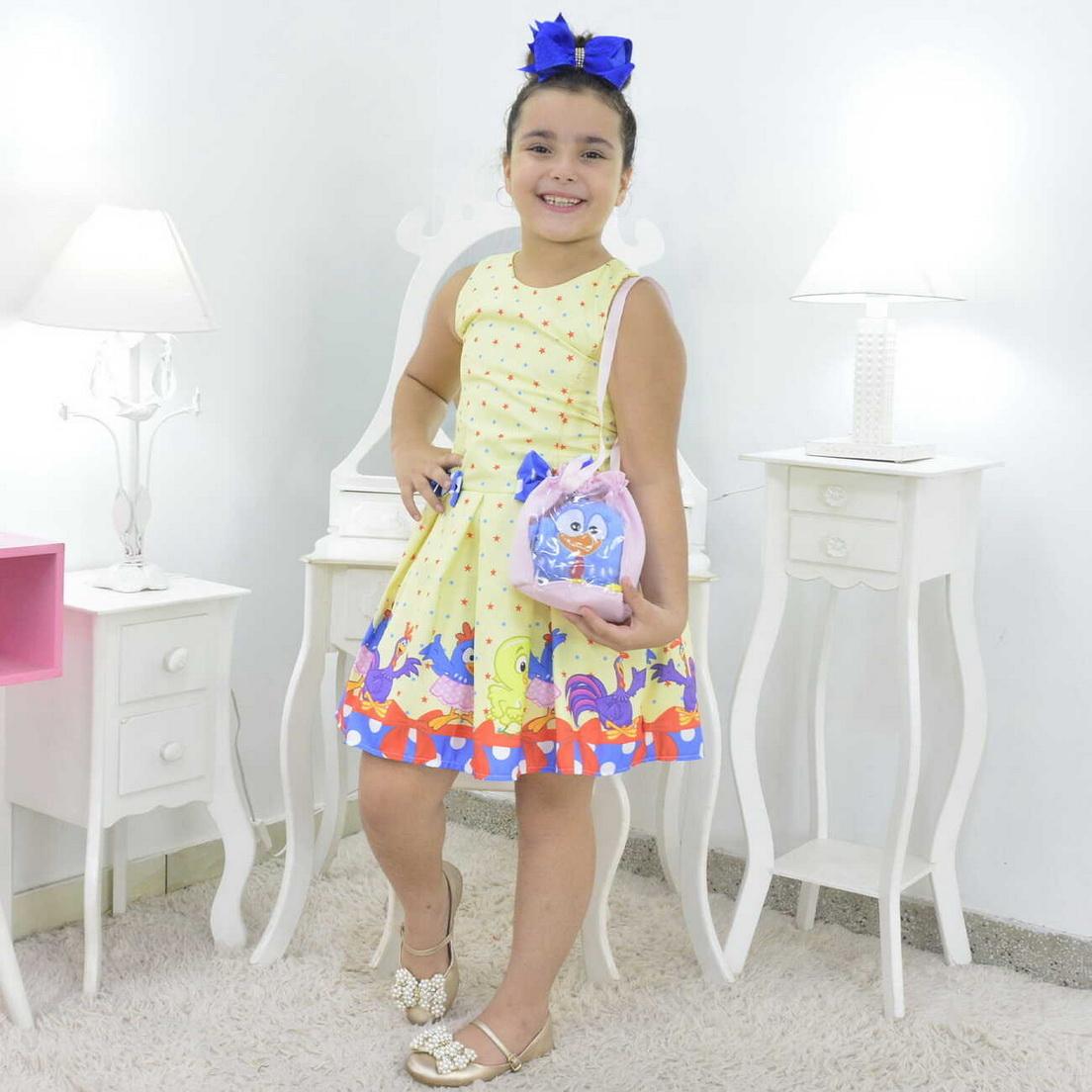 Vestido Galinha Pintadinha Amarelo Com Bolsa e Pelúcia