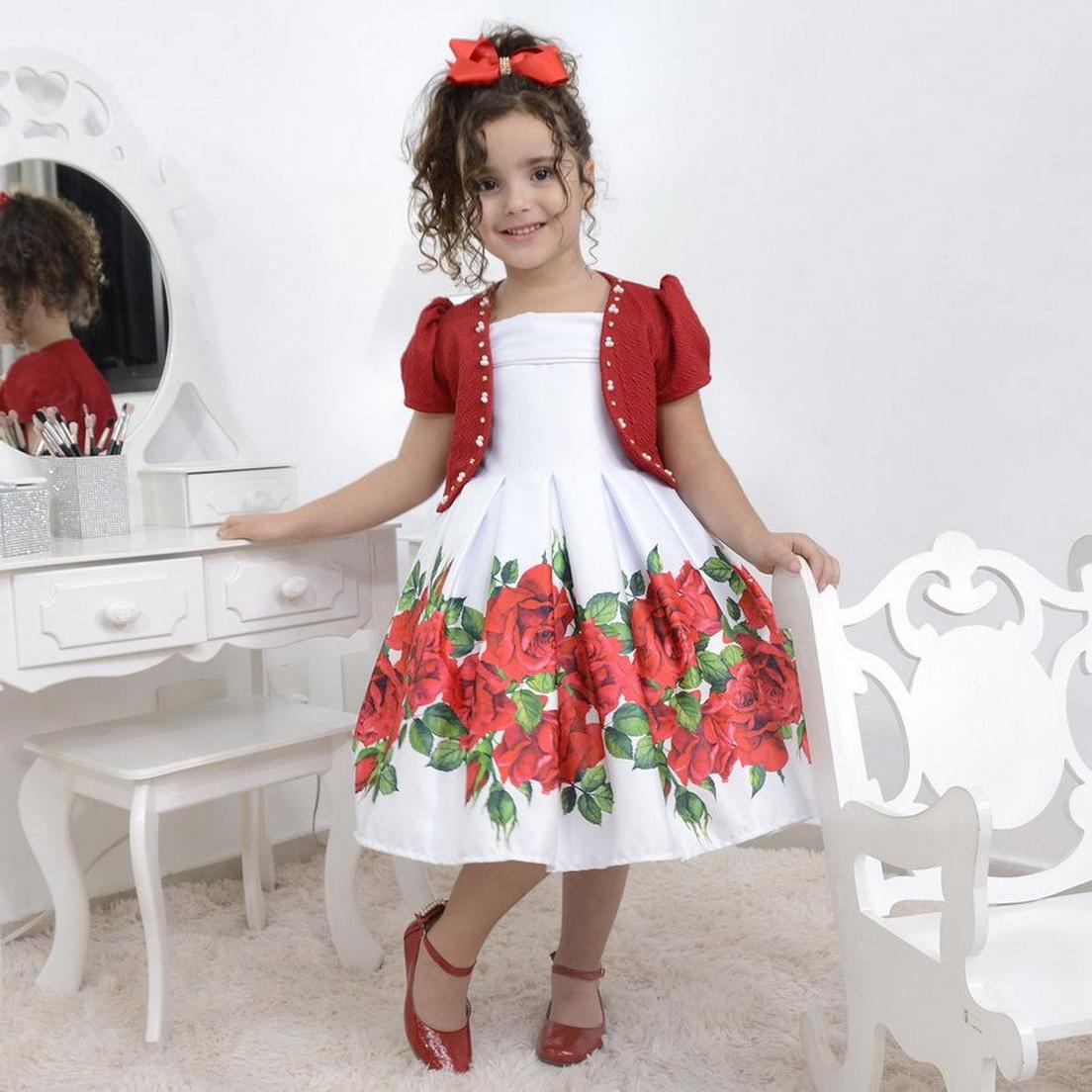 Vestido infantil branco com rosas vermelhas e bolero