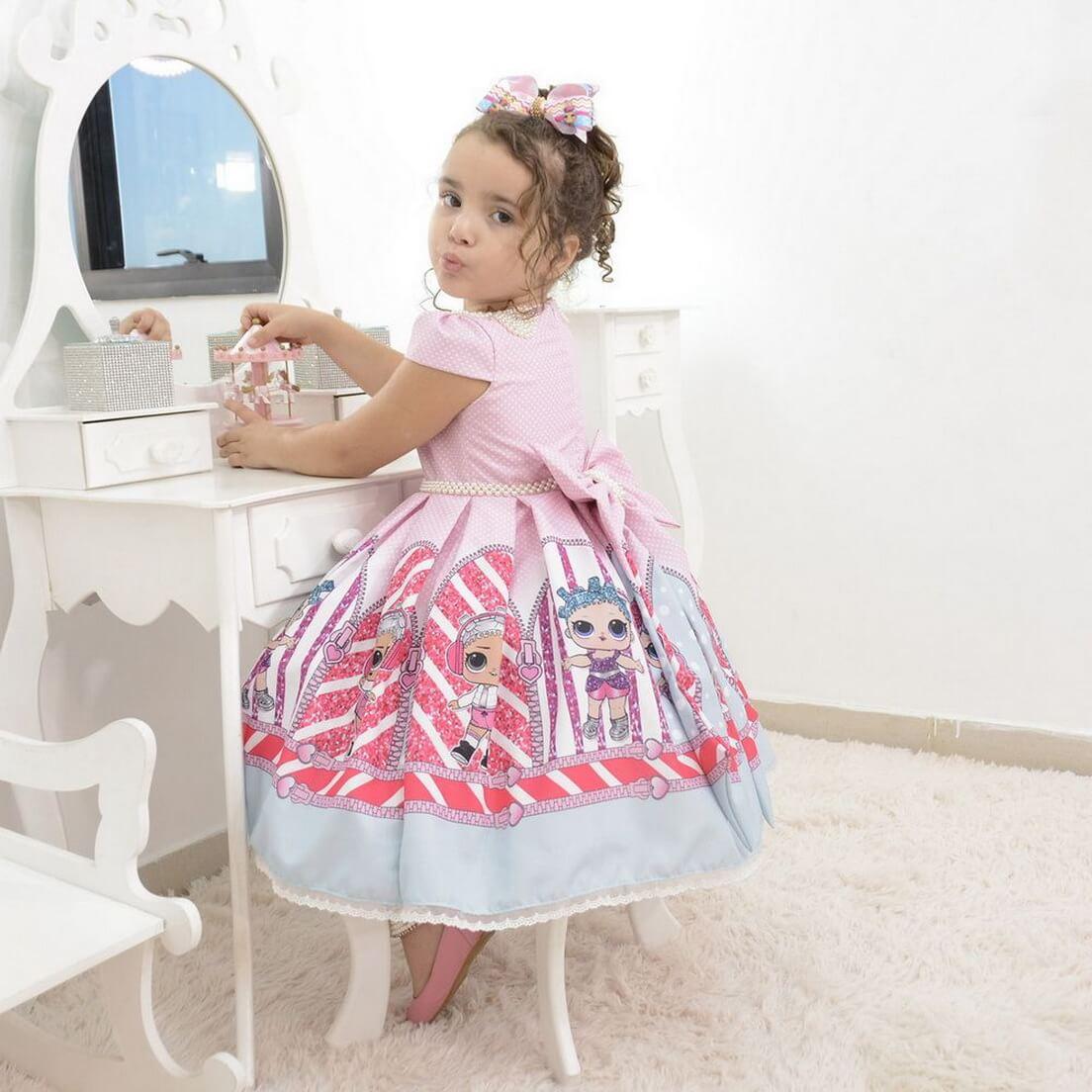 Vestido infantil da Lol Surprise rosa com bordados em perolas s