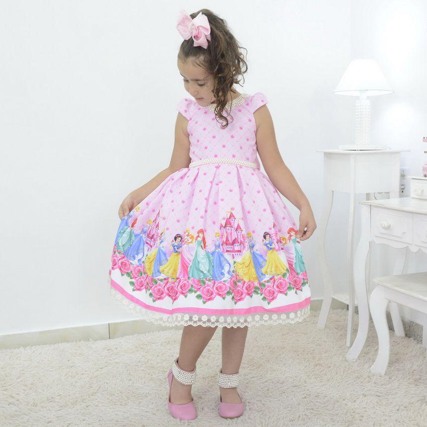 Vestido infantil tema Princesas da Disney com laço nas costas