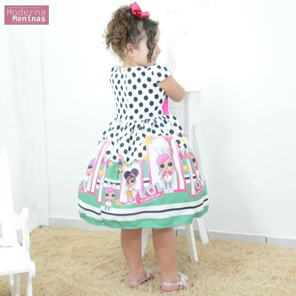 Vestido infantil festa com tema das mínis bonecas Lol surprise