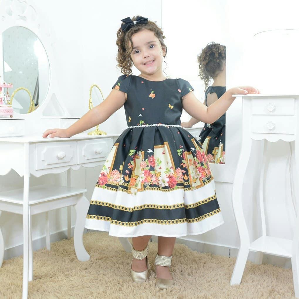 Vestido infantil jardim encantado floral preto com borboletas