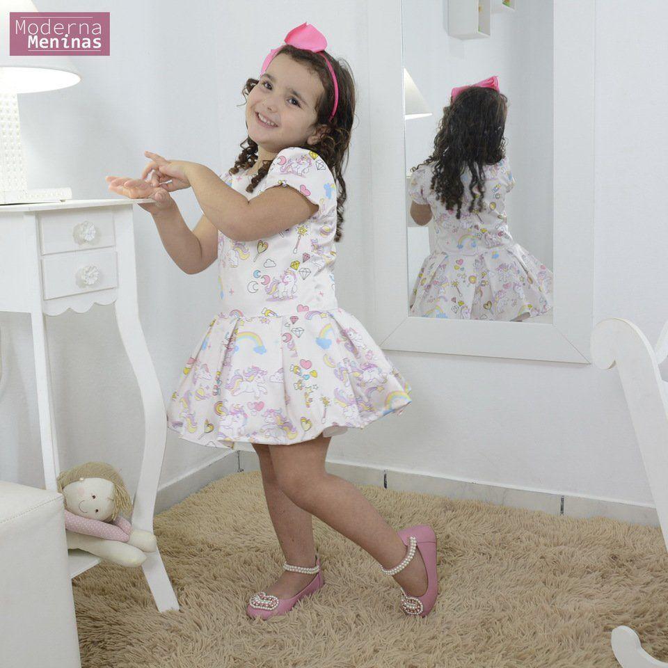 Vestido infantil festa tema unicórnios doces e arco íris