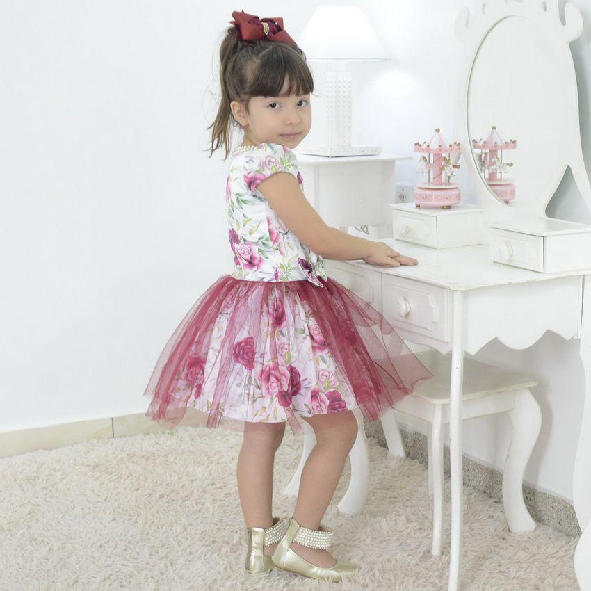 Vestido infantil floral com saia de tule marsala