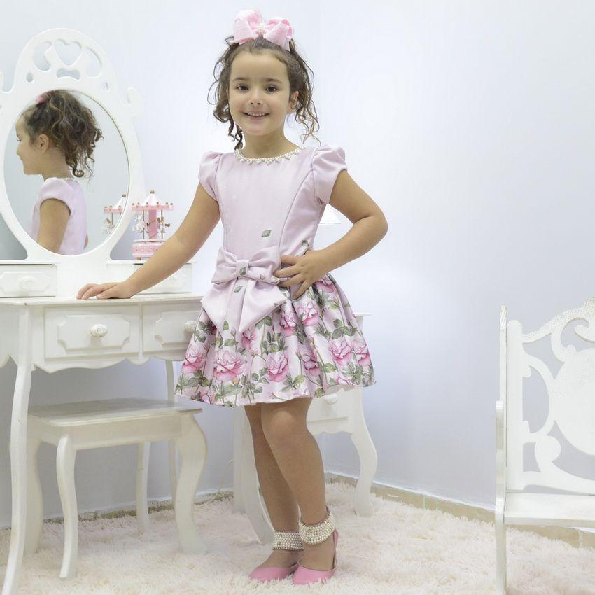 Vestido infantil floral rosa com bordado em pérolas
