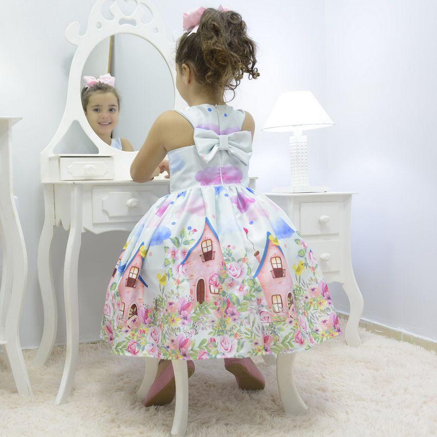 Vestido infantil jardim encantado casa dos pássaros com nuvens