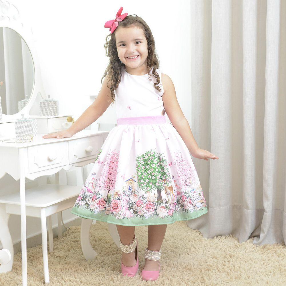 Vestido infantil floresta encantada com borboletas, cervos e esquilos