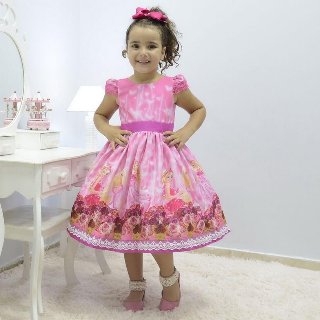 Vestido infantil rosa tema Barbie princesa