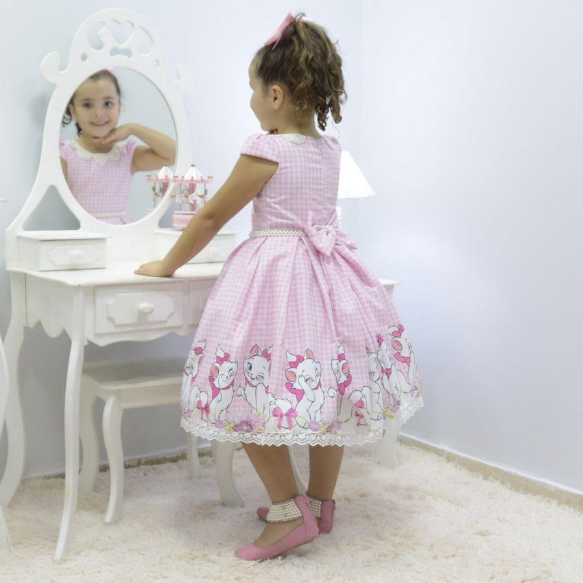 Vestido infantil tema Gata Marie com bordado em pérolas