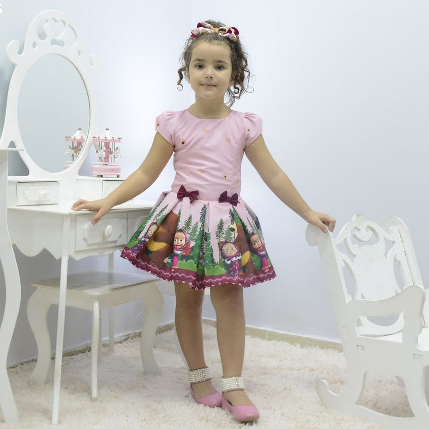 Vestido infantil tema Masha e o Urso na Floresta
