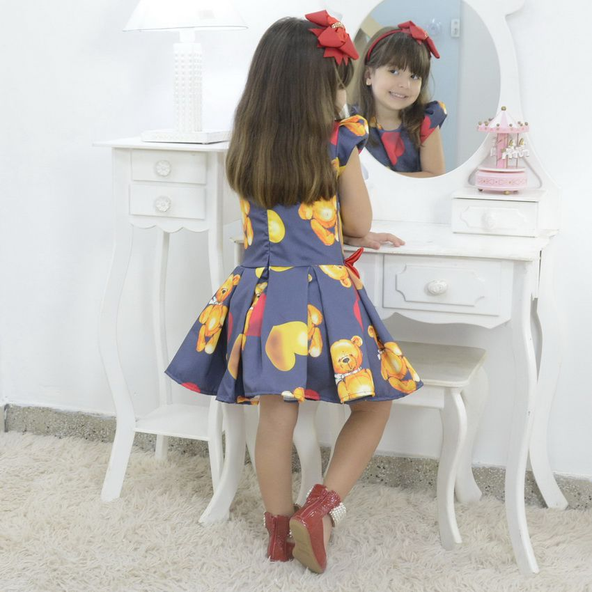 Vestido infantil tema urso de Pelúcia com corações