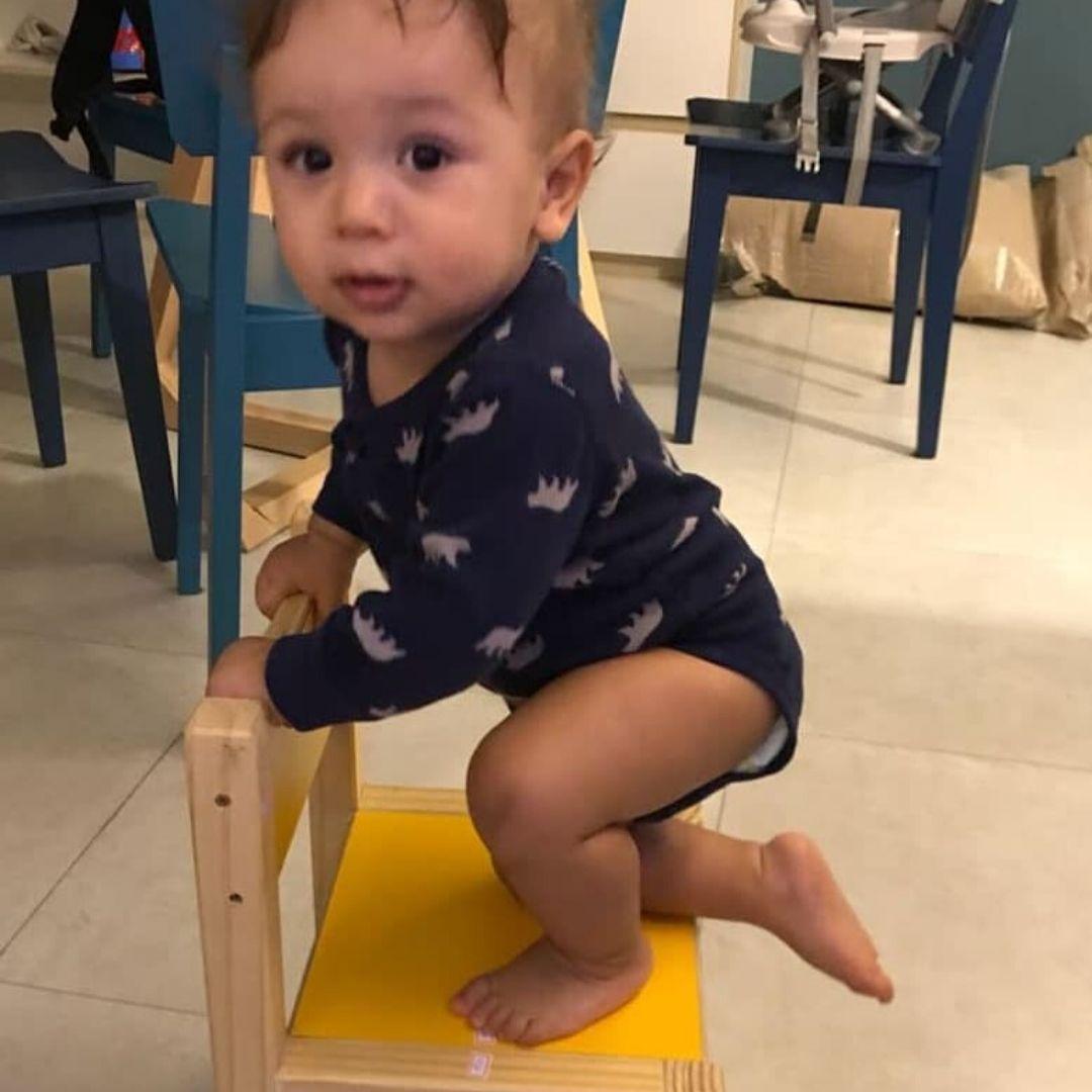 Cadeirinha Escolar Infantil (1 a 5 anos) - Madeira Maciça de Pinus - Tampo de Compensado Revestido com Fórmica