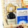 Baú da Felicidade com Chocolates e Vinho