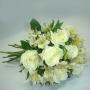 Buquê de 12 Rosas Brancas e Astromélias Brancas