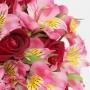 Buquê de 12 Rosas Vermelhas com Astromélias rosa