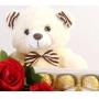 Buquê de 6 Rosas Vermelhas, Bombons Ferrero Rocher e Pelúcia