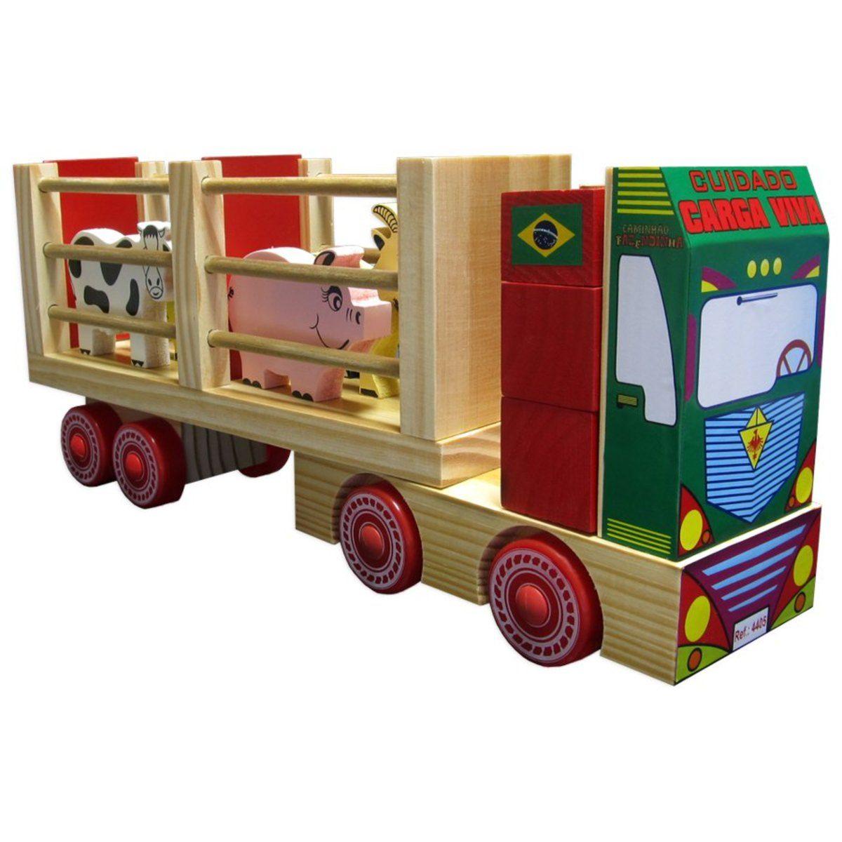 Caminhão de Madeira Fazendinha