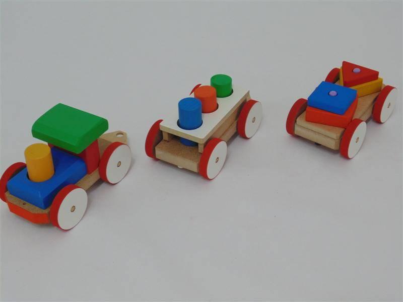 Trenzinho com Pinos e Formas Geométricas