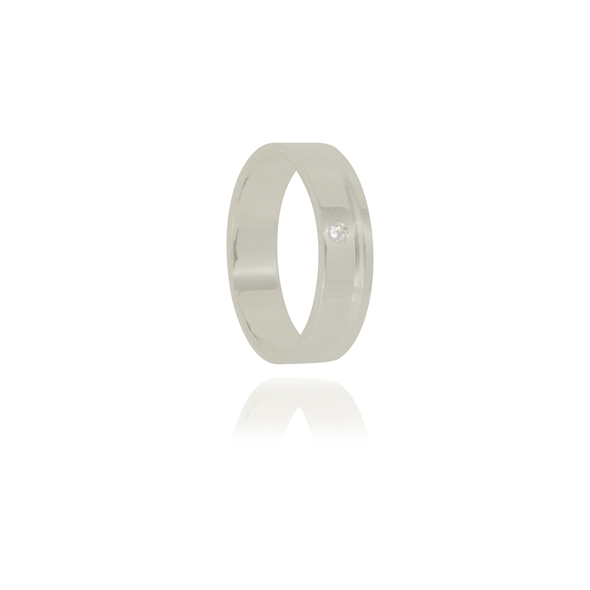 Aliança  com ponto de luz e friso em prata 925 pura de 5 mm
