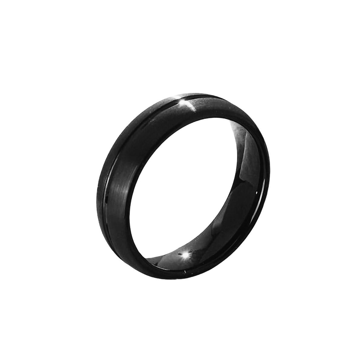 Aliança ou anel de tungstênio anatômico com faixa central