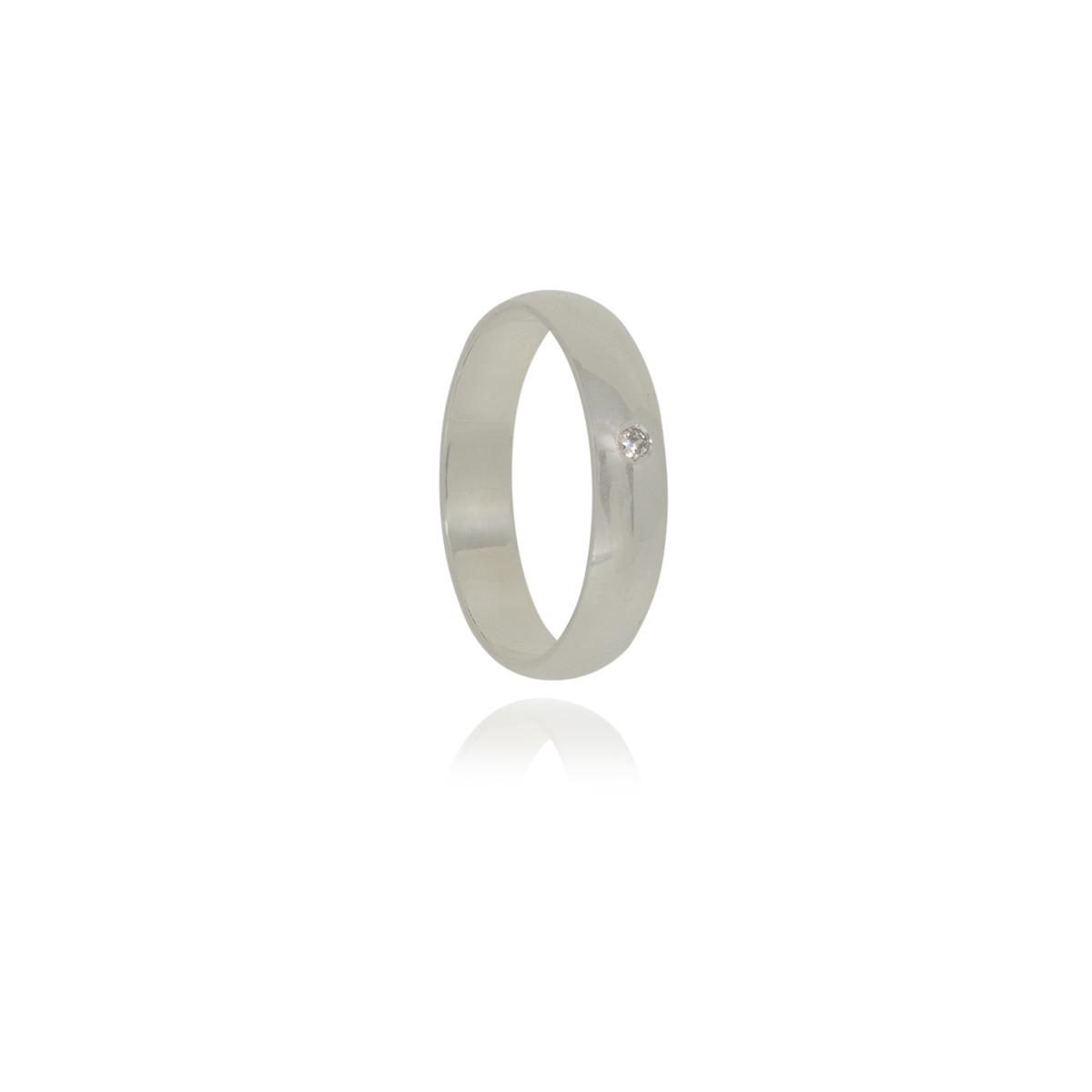 Aliança tradicional com ponto de luz em prata 925 pura de 4 mm