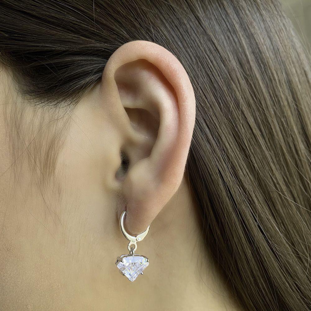 Argola folheada semijoia de zirconia lapidada em Diamante