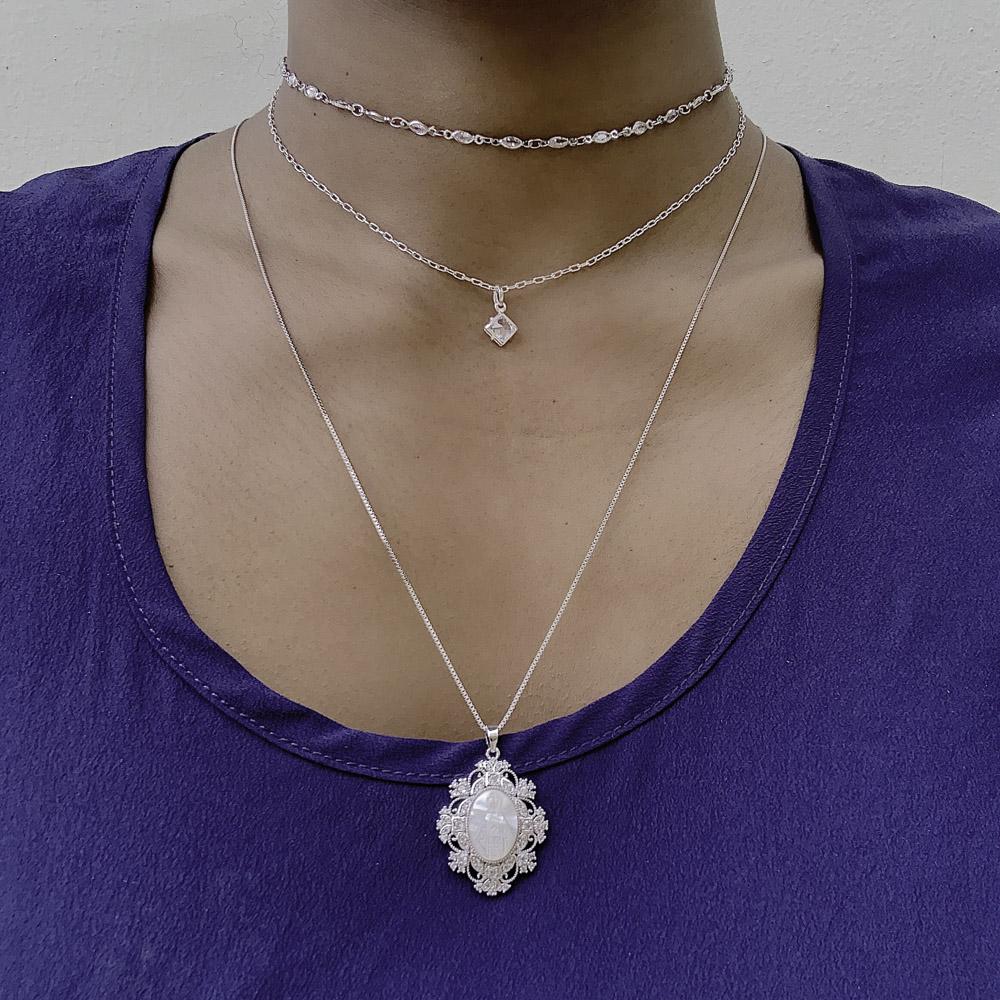 Colar Mandala semijoia Nossa Senhora madrepérola e zirconia
