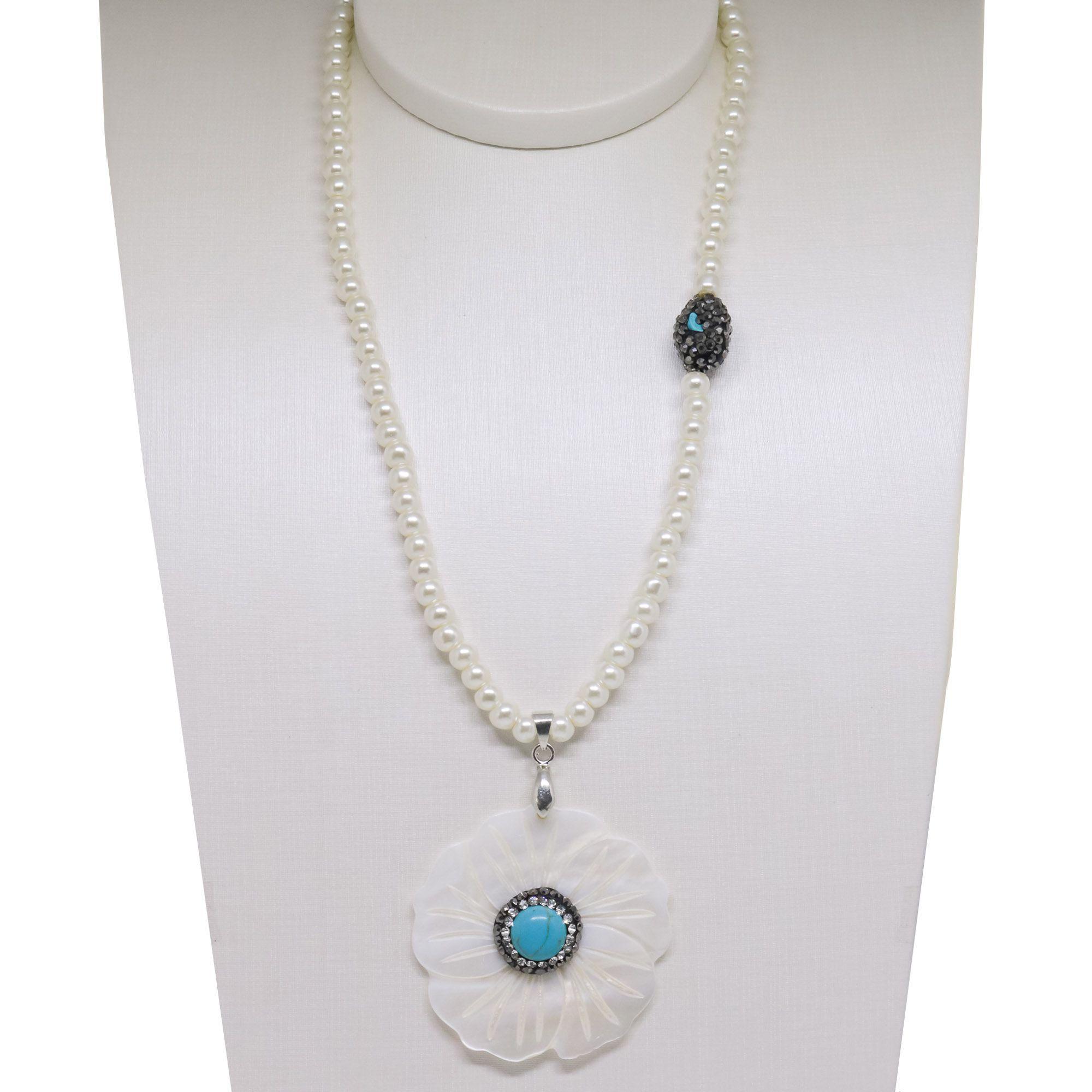 Colar Semi joia  Pérolas com flor de Madrepérola  e e pedra natural  Howlita Turquesa, com banho de Rhodium