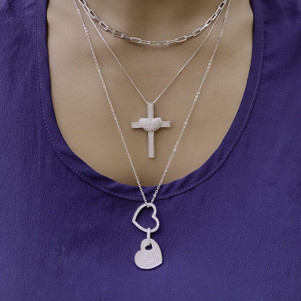 Colar semijoia Crucifixo em zirconia love folheado