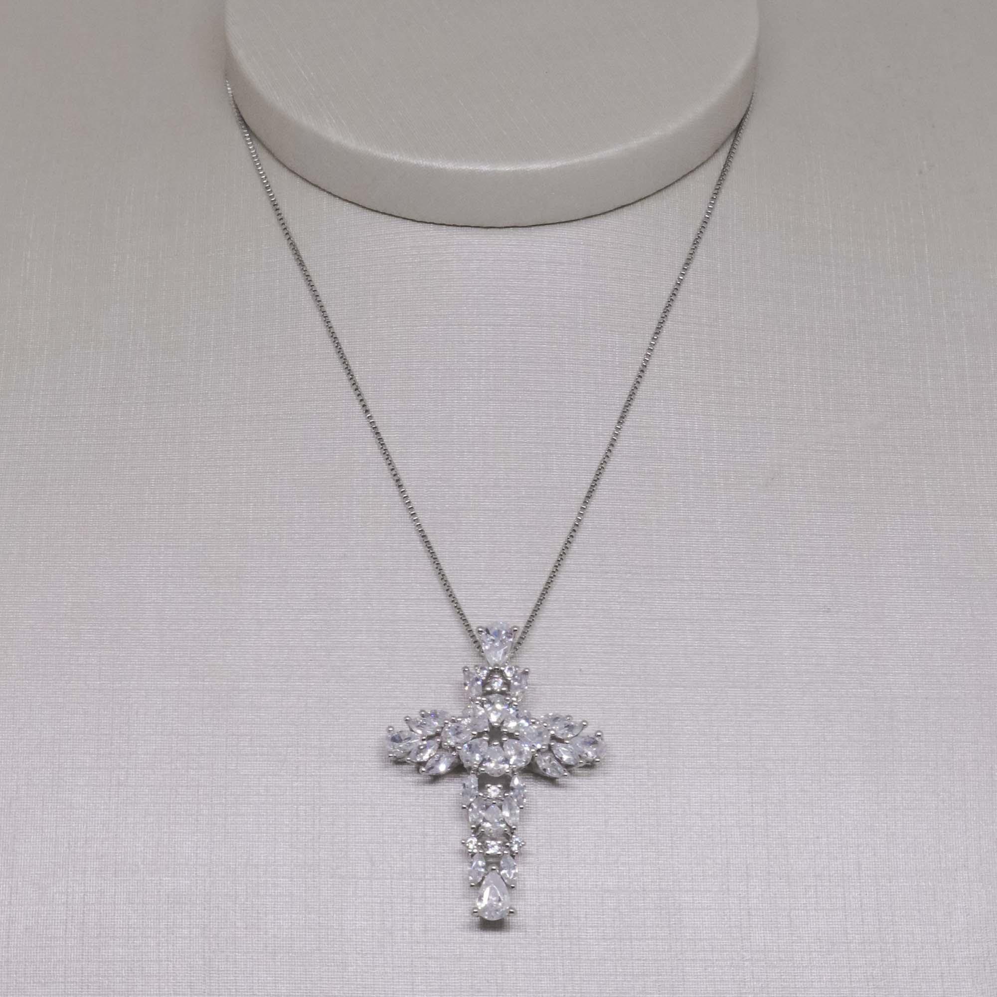 Colar semijoia Crucifixo em Zircônia folheado a ouro 18k ou rhodium
