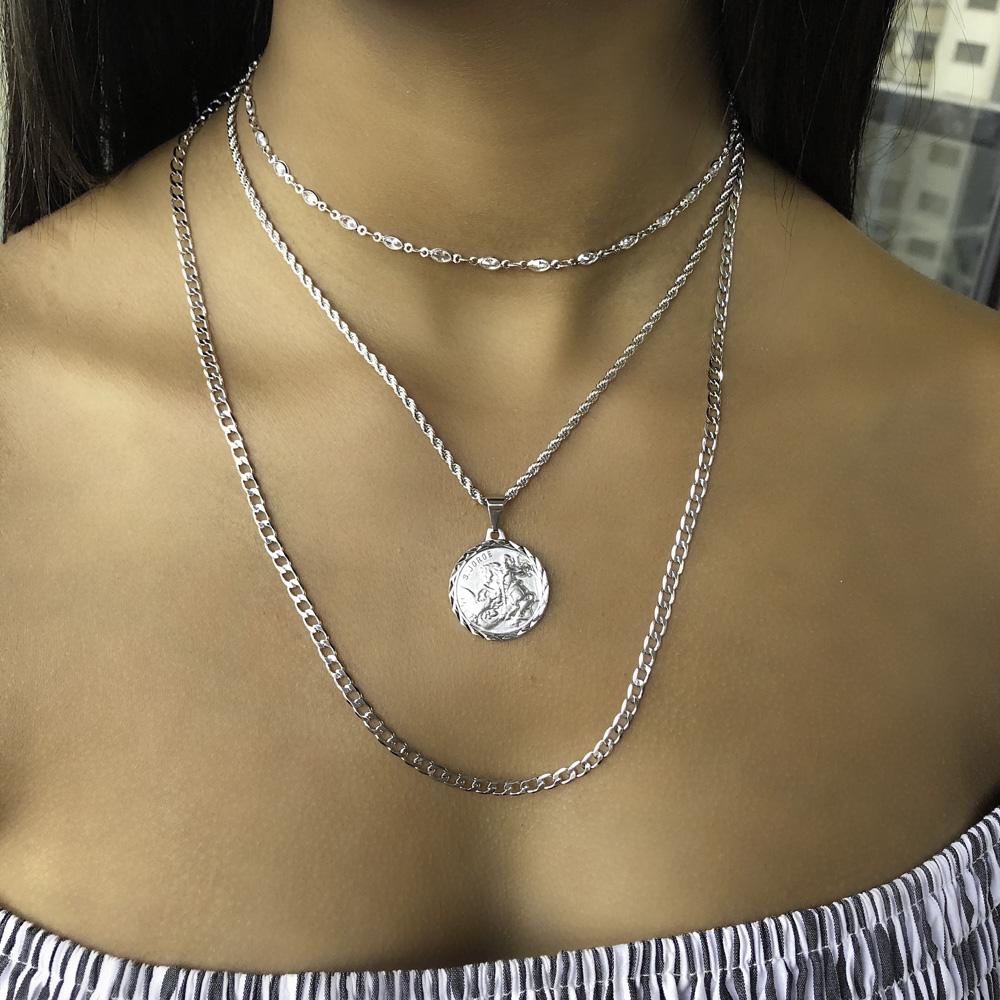 Gargantilha folheada semijoia Medalha de São Jorge Diamant