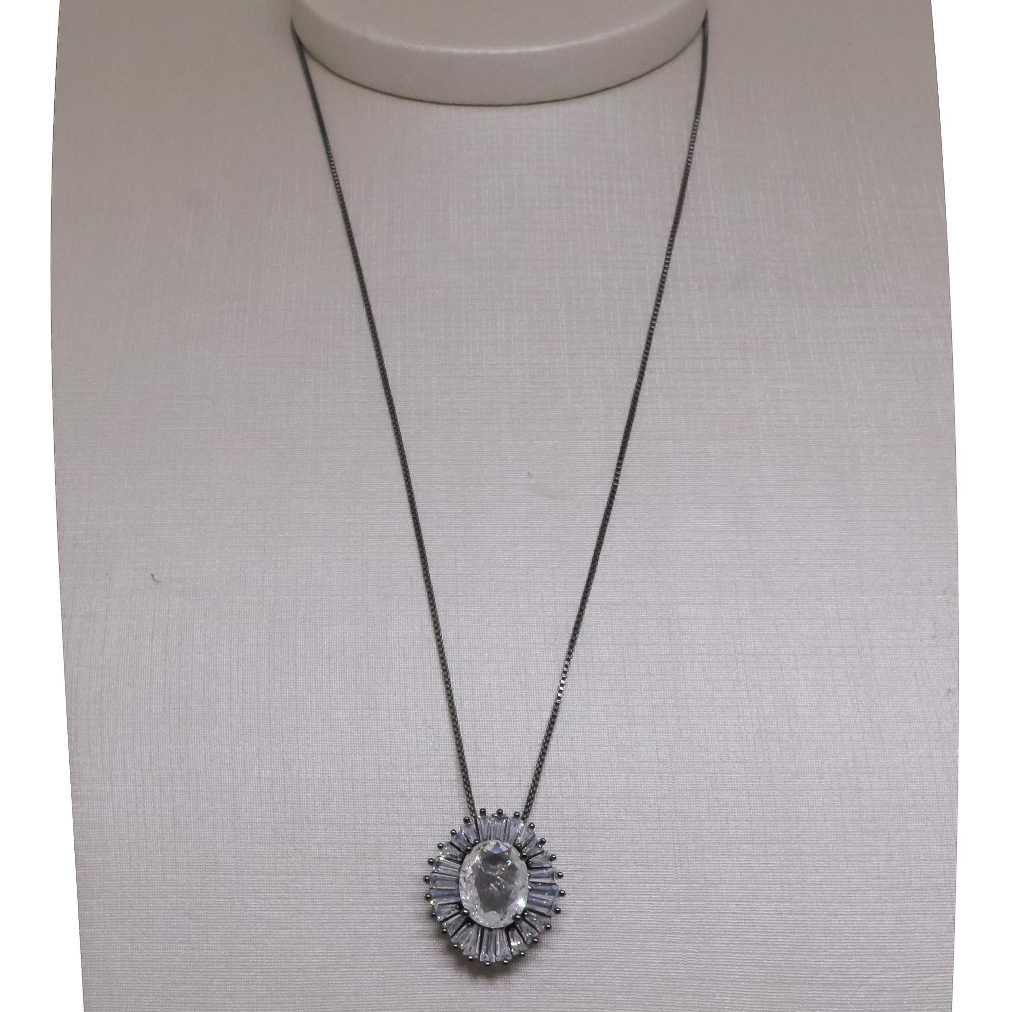 Gargantilha Semi joia  oval com zircônias Baguette banhada a ouro 18k ou rhodium