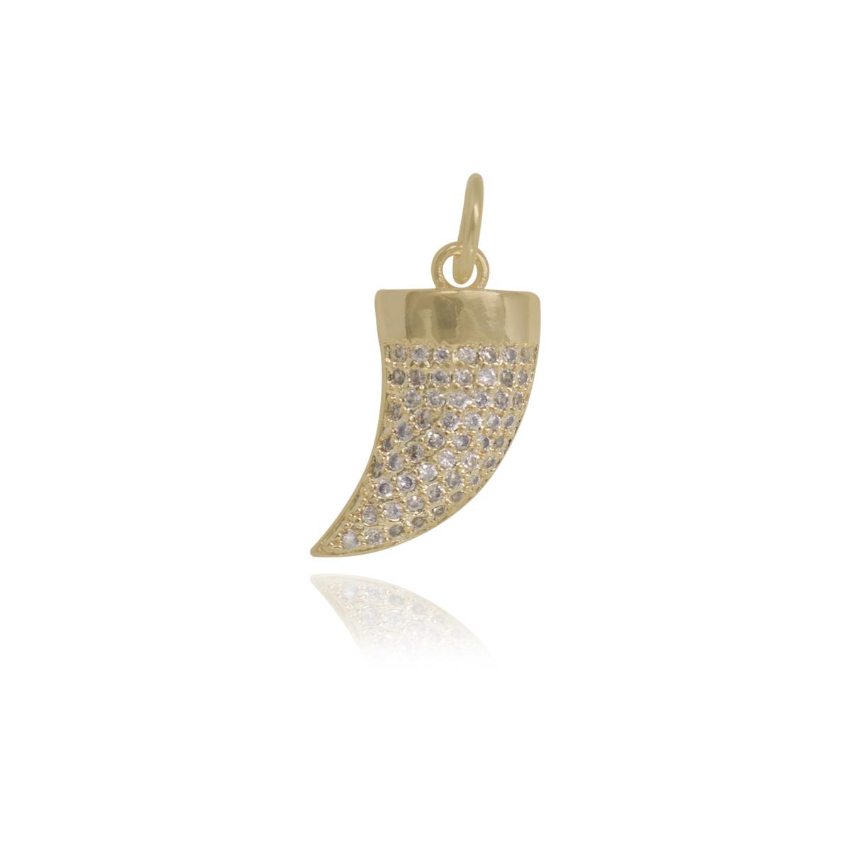 Pingente Dente de Sabre cravejado com zircônia folheada ouro