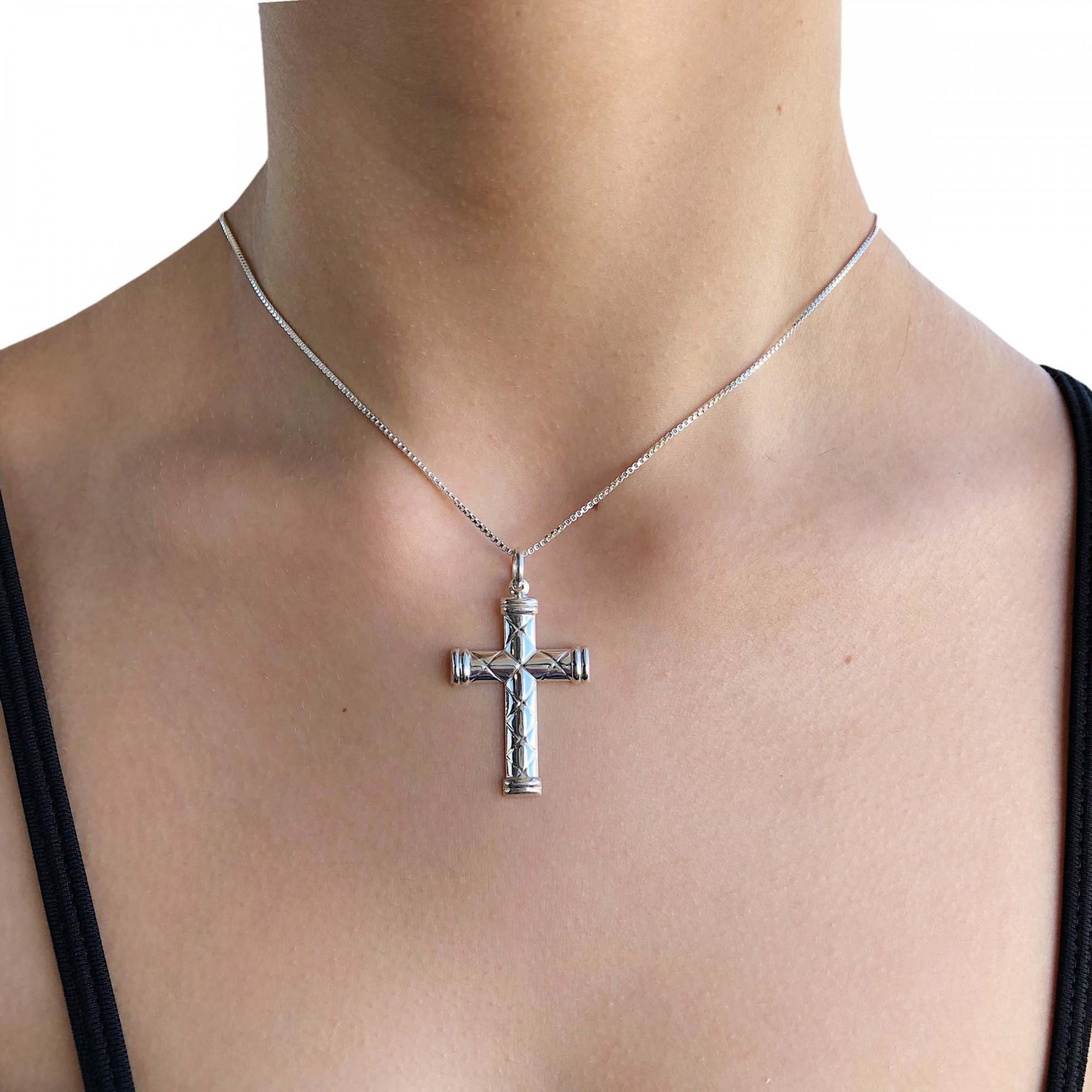 Pingente joia em prata 925 Cruz estampada em X