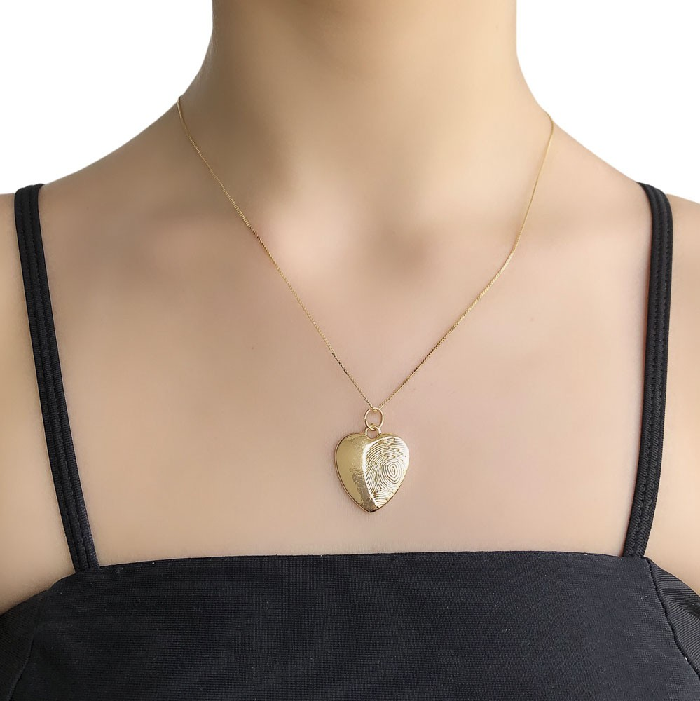 Pingente semijoia coração com digital com ouro prata verniz