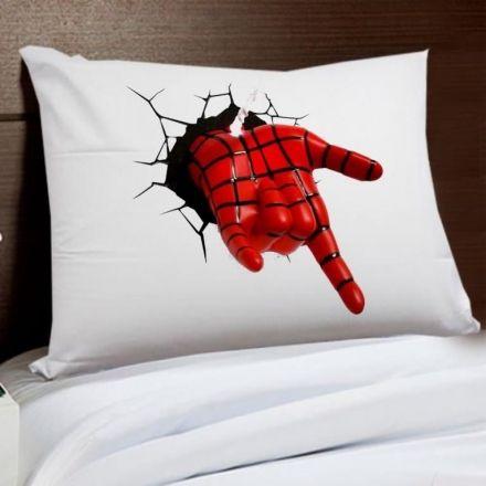 Fronha Mão do Homem Aranha Parede Rachada