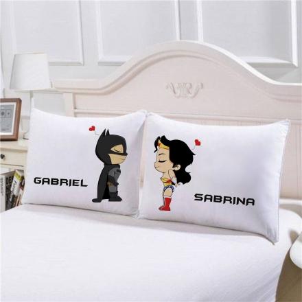 Fronhas Batman e Mulher Maravilha Personalizadas