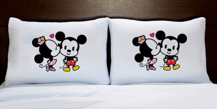 Fronhas Casal Personalizadas Mickey e Minnie Beijinho