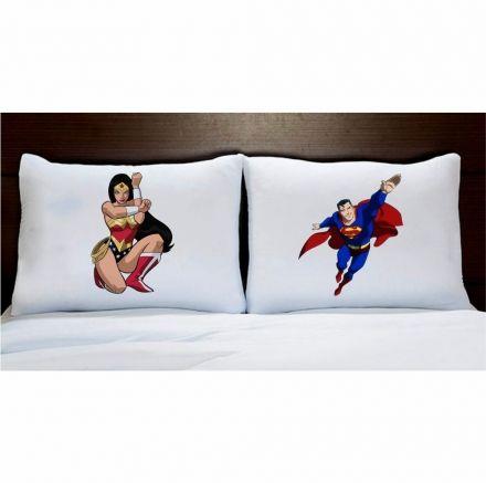 Fronhas Mulher Maravilha e Super Homem