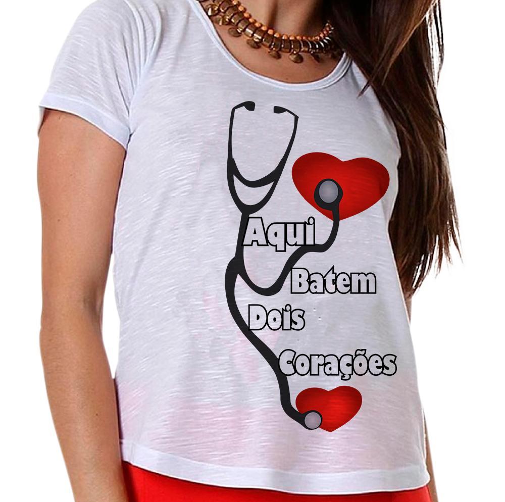 Camiseta Gestante Aqui Batem Dois Corações