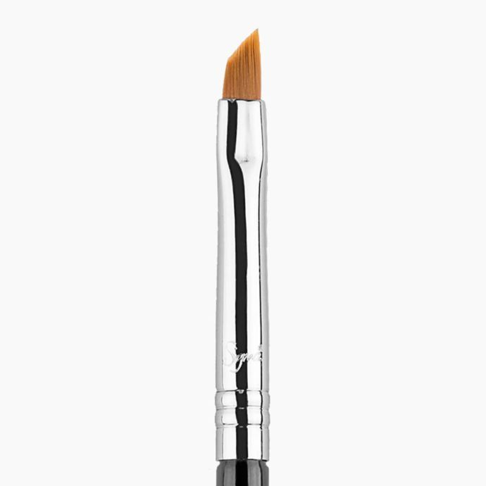 E06 WINGED LINER BRUSH | SIGMA BEAUTY