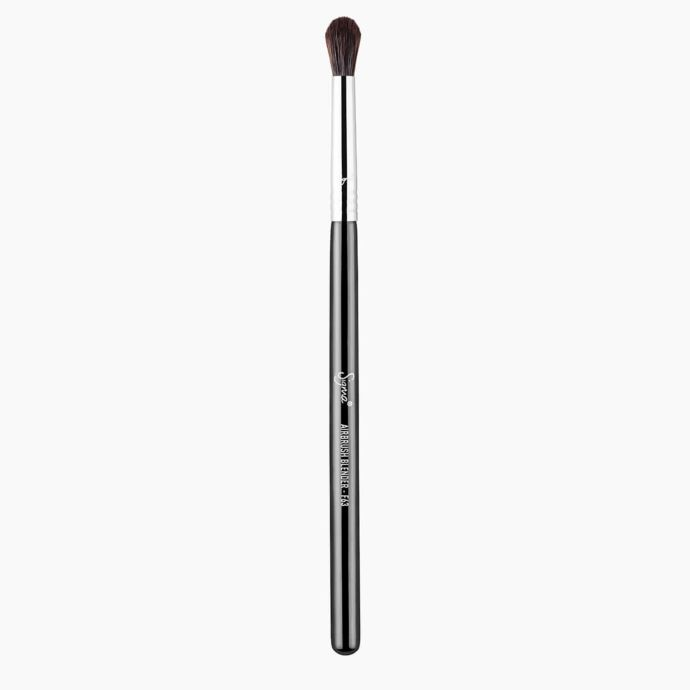 F63 AIRBRUSH BLENDER BRUSH  | SIGMA BEAUTY