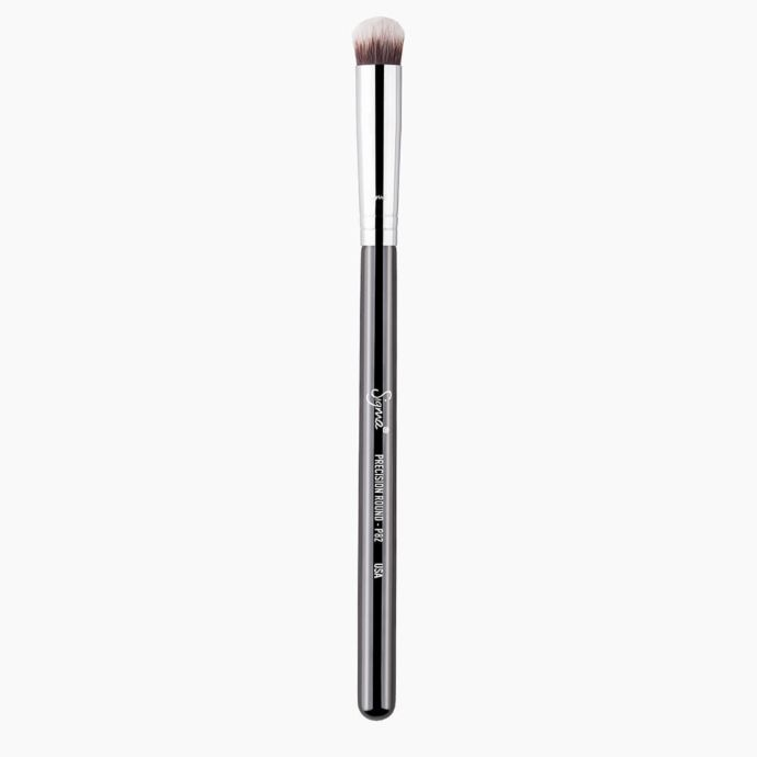 P82 PRECISION ROUND BRUSH | SIGMA BEAUTY