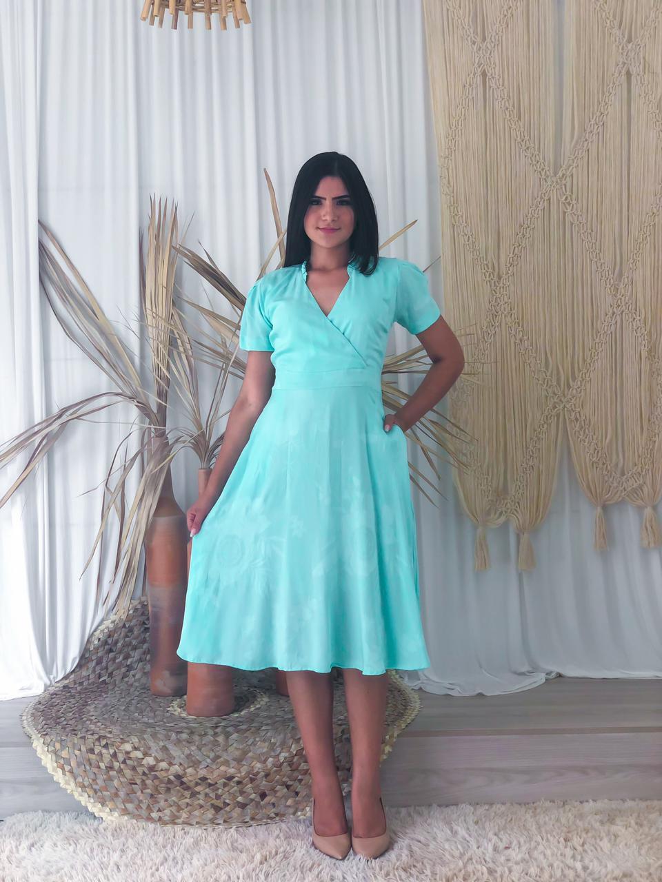 Vestido Janiele (apenas na cor utilizada pela modelo)