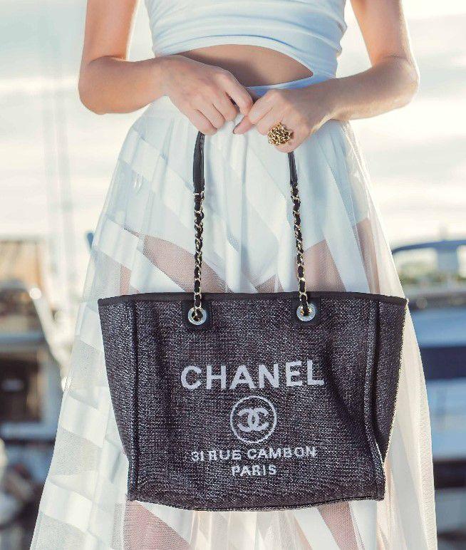 Bolsa Chanel  Deauville Preta