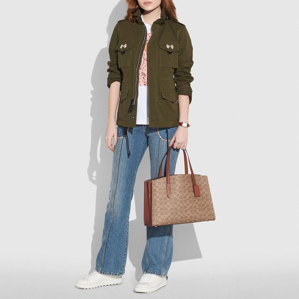 BOLSA CHARLIE CARRYALL IN SIGNATURE CANVAS COACH