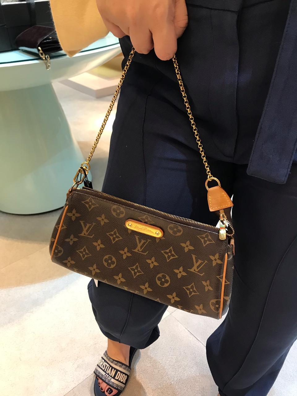 Bolsa Louis Vuitton Pequena Monogram