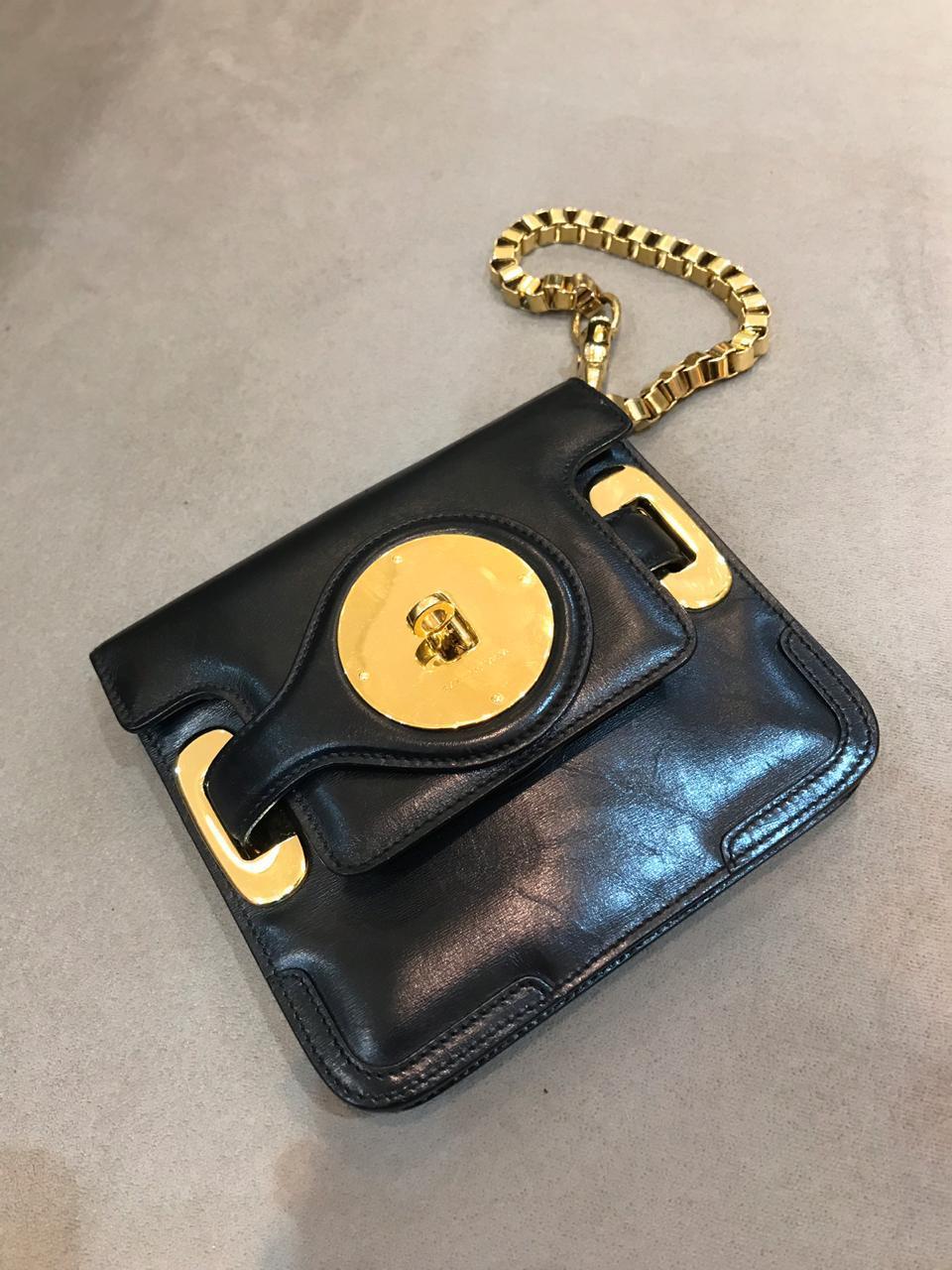 Clutch Balenciaga preta